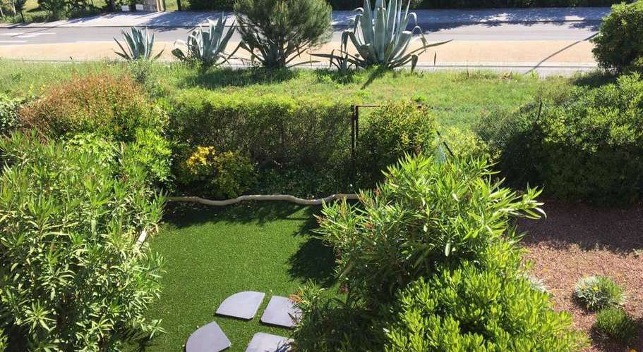 Vue du jardin de la résidence