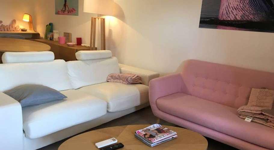 Salon dans l'appartement agay à saint-raphael