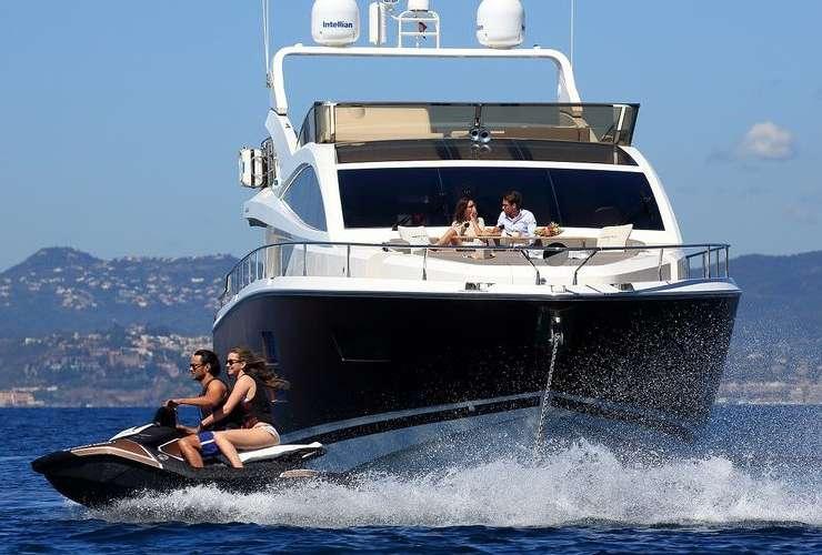 Yacht Summer Breeze 1